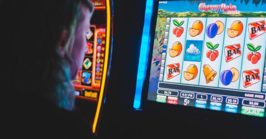 8 známek toho, že se stáváte závislými na hazardních hrách